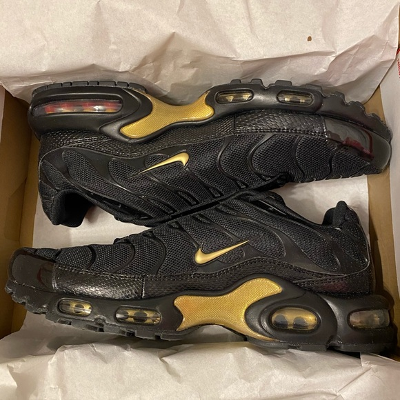 Nike Air Max Plus TN Black Metallic Gold NWT
